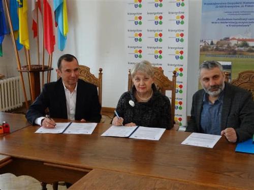 Podpisanie umowy - zadanie II -1 guetzli